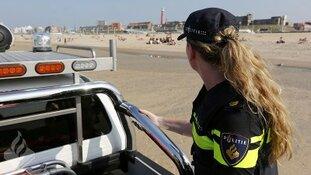 Dertien personen bekeurd voor slapen op het strand