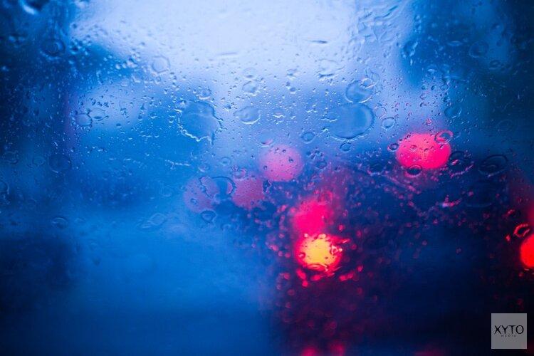 Rijkswaterstaat waarschuwt voor zware avondspits vanwege regenbuien