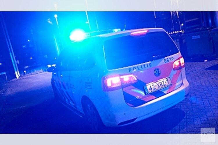 Politieagenten gewond door stenengooiende minderjarigen