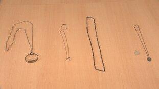 Herkent u deze sieraden en spullen?
